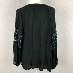 kyla seo Tops - Kyla Seo Black Embroidered Top Size Small